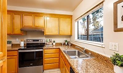 Kitchen, 220 Berry Ct, 1