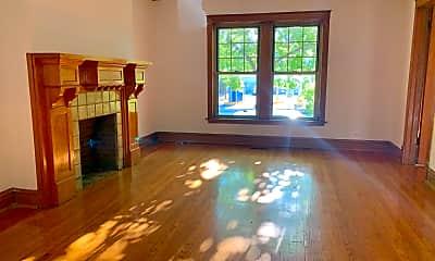 Living Room, 3953 N Hamilton Ave, 0