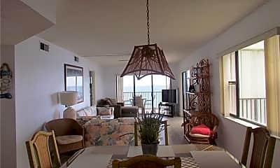 Dining Room, 9490 S Ocean Dr 816, 1