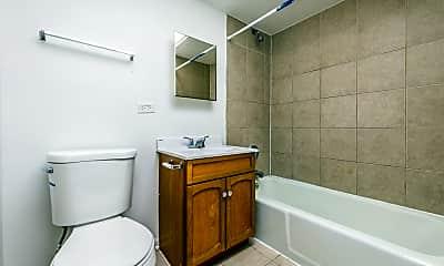 Bathroom, 2115 S 4th Ave, 1
