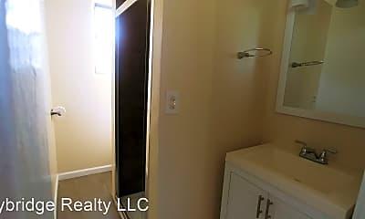 Bathroom, 5223 Roanoke St, 2
