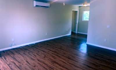 Living Room, 1538 Sams Hill Rd, 0