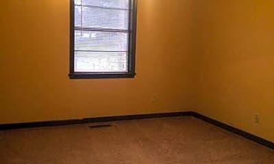 Bedroom, 192 Camp St, 2