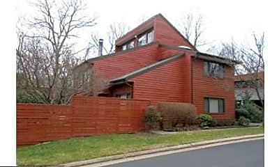 Building, 2124 S Bay Ln, 2