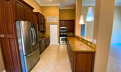 Kitchen, 2743 Parkview Dr S 2743, 1