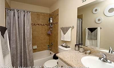 Bathroom, 7051 Bowling Dr, 2