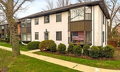 Building, 670 Park Ave W, 2