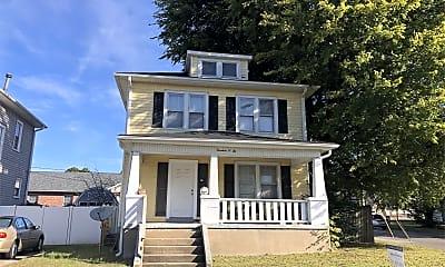 Building, 1402 Bessie St, 1