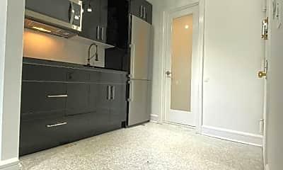 Kitchen, 513 E 5th St, 1