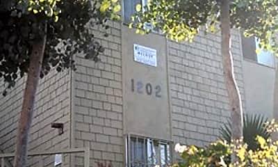 Patio / Deck, 1202 E 6th St, 2