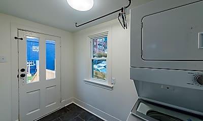 Bathroom, 112 N Maple Ave, 2