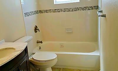 Bathroom, 1515 Gardner Dr, 2