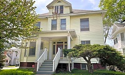 Building, 605 W Macon St, 2
