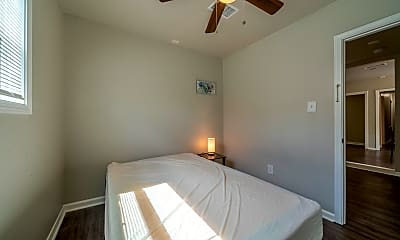 Bedroom, Room for Rent -  a 3 min walk to M L King Blvd @ S, 2