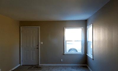 Living Room, 1013 E Kinkaid St, 1