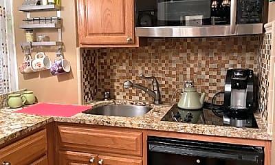 Kitchen, 321 E 43rd St, 0