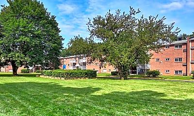 Park Plaza, 2