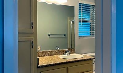 Bathroom, 2707 Pomeroy Ave, 2