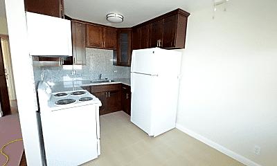 Kitchen, 21303 Oak St, 1