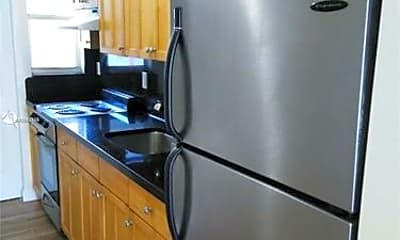 Kitchen, 1000 7th St, 2