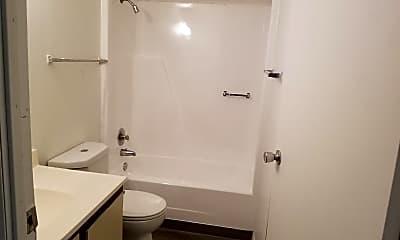 Bathroom, 4900 North Ln, 1