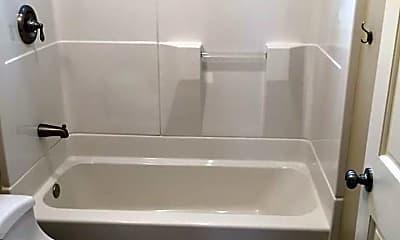 Bathroom, 664 Stevenson St, 2