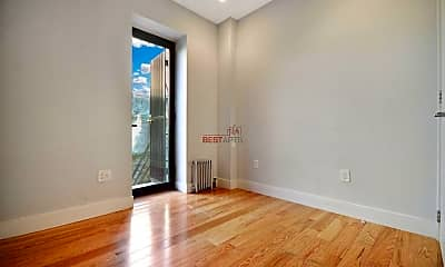 Living Room, 175 E 105th St, 2