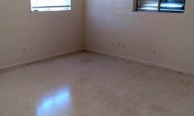 Bedroom, 950 Weaver St, 2