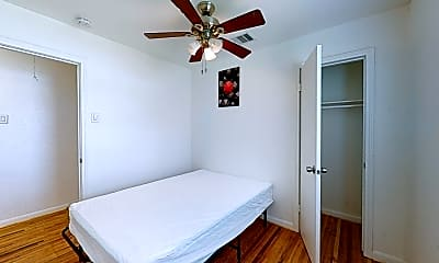 Bedroom, Room for Rent - Houston PadSplit 0.3 miles to bus, 2