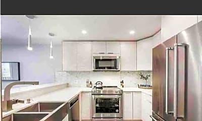 Living Room, 1140 E Ocean Blvd, 2