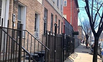 Building, 172 Jefferson St 1L, 2