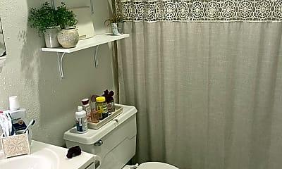 Bathroom, 1106 W 22nd St, 2