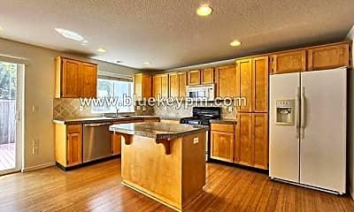 Kitchen, 15015 NE 70th St, 1