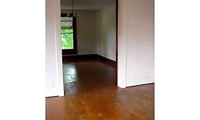Bedroom, 524 S 6th St, 2