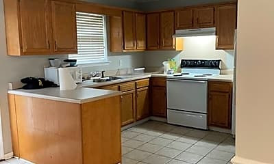 Kitchen, 4510 Cliff Cove, 1