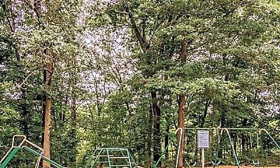 Treetops Apartments, 2