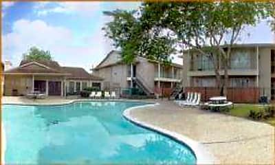 Pine Creek Apartments, 0