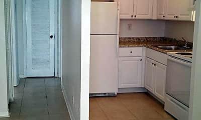 Kitchen, 2842 Fillmore St 18, 2