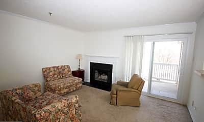 Living Room, 1504 Lincoln Way 405, 1