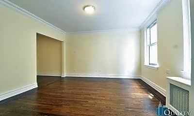 Bedroom, 340 E 57th St, 2