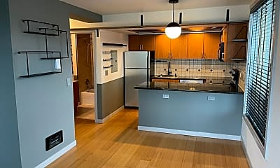 Kitchen, 905 Cherry Street Unit 702, 0