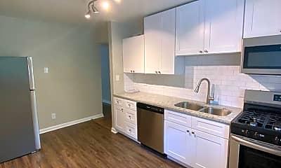 Kitchen, 225 Hillcrest Ave, 1