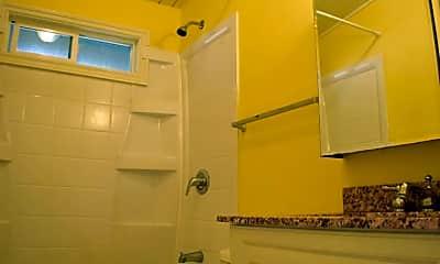 Bathroom, 6740 SW Canyon Dr, 2