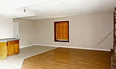 Living Room, 604 Duke Ave, 1