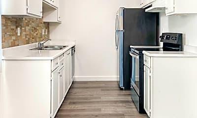 Kitchen, 9100 Tuolumne Dr, 1