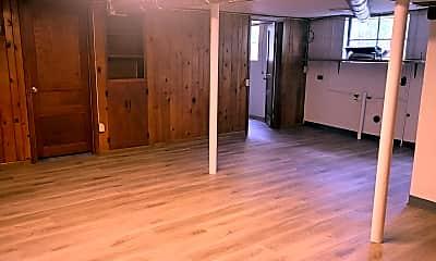 Living Room, 1222 McAlpine Ave, 1
