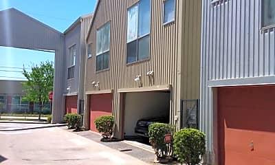 Building, 920 Memorial Drive SE Unit #3, 1