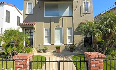 Building, 226 La Verne Ave, 1