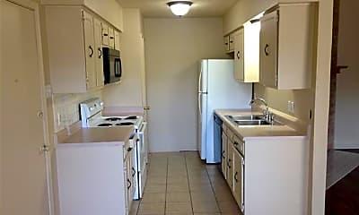 Kitchen, 1305 Sam Houston Dr, 1
