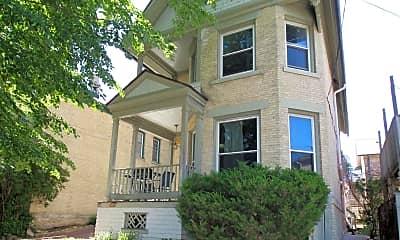 Building, 811 E Pleasant St, 1